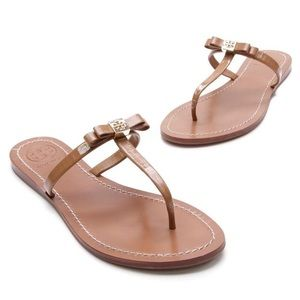 Tory Burch Leighanne T Thong Sandals in Mousse